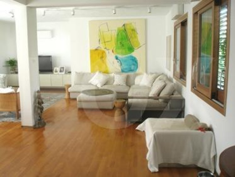 To Rent 5 Bedroom Detached House in Akropolis, Nicosia