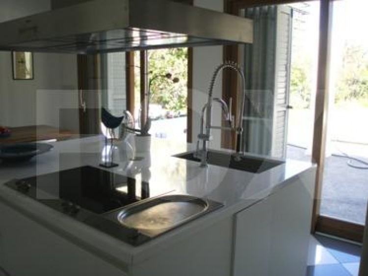 To Rent 5 Bedroom Detached House in Akropolis, Nicosia 10