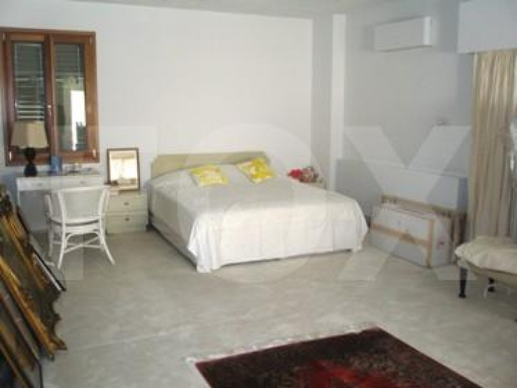 To Rent 5 Bedroom Detached House in Akropolis, Nicosia 15