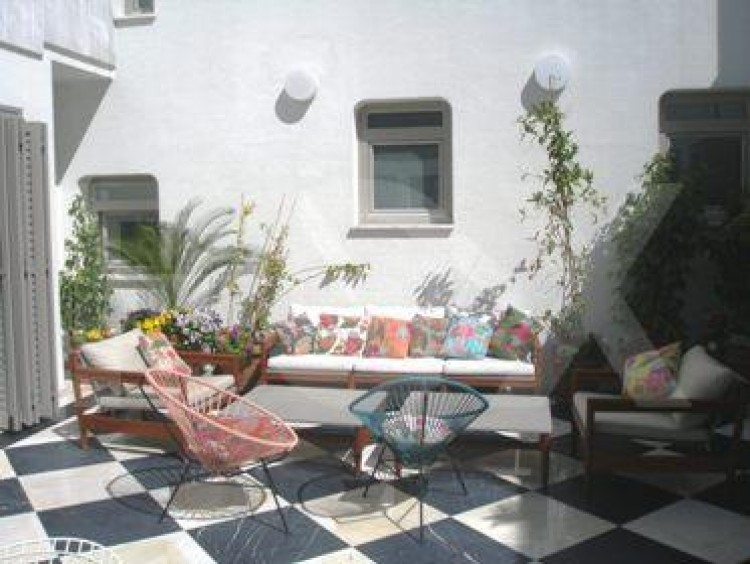 To Rent 5 Bedroom Detached House in Akropolis, Nicosia 32