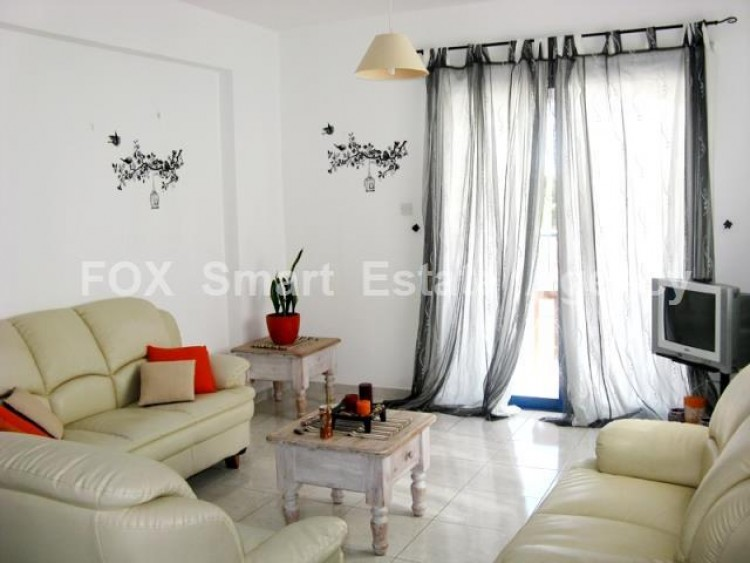 For Sale 2 Bedroom Whole floor Apartment in Chlorakas, Paphos 4
