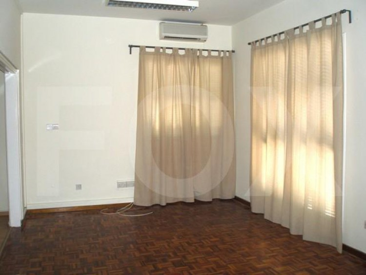 For Sale 2 Bedroom  Apartment in Akropolis, Nicosia