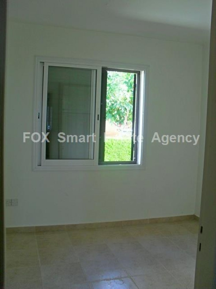 For Sale 2 Bedroom Semi-detached House in Peyia, Pegeia, Paphos 6