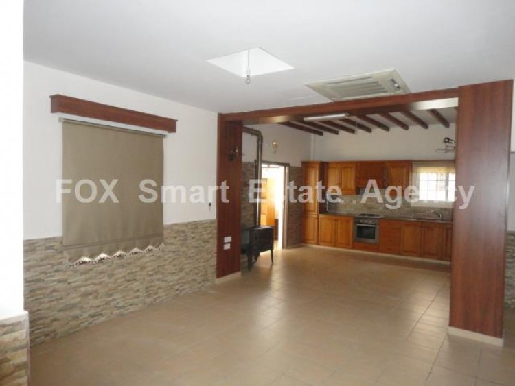 For Sale 2 Bedroom Ground floor Apartment in Drosia, Larnaca 2