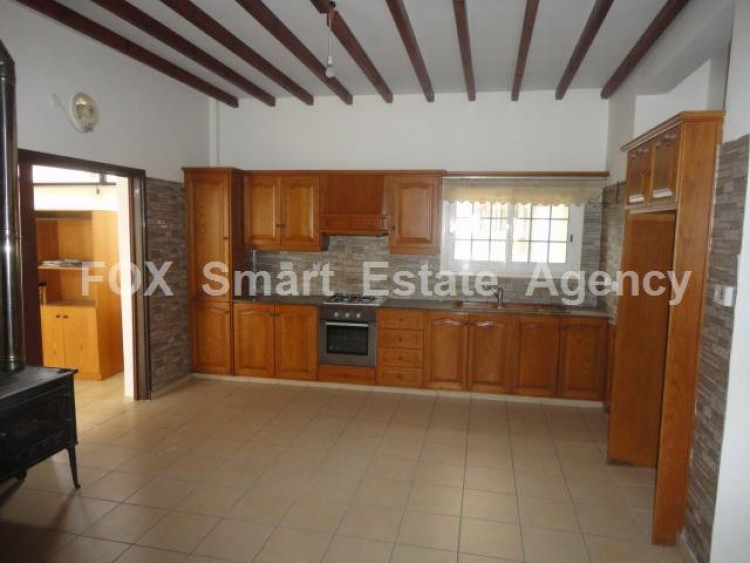 For Sale 2 Bedroom Ground floor Apartment in Drosia, Larnaca 3