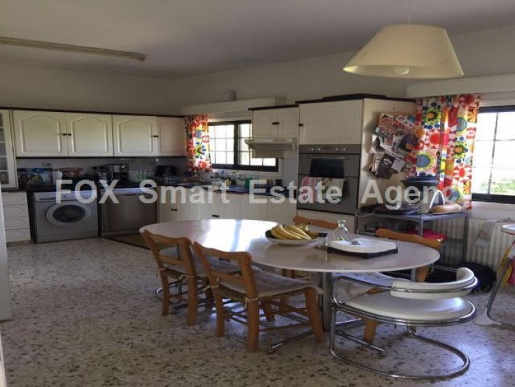 For Sale 4 Bedroom  House in Xylotymvou, Larnaca 6