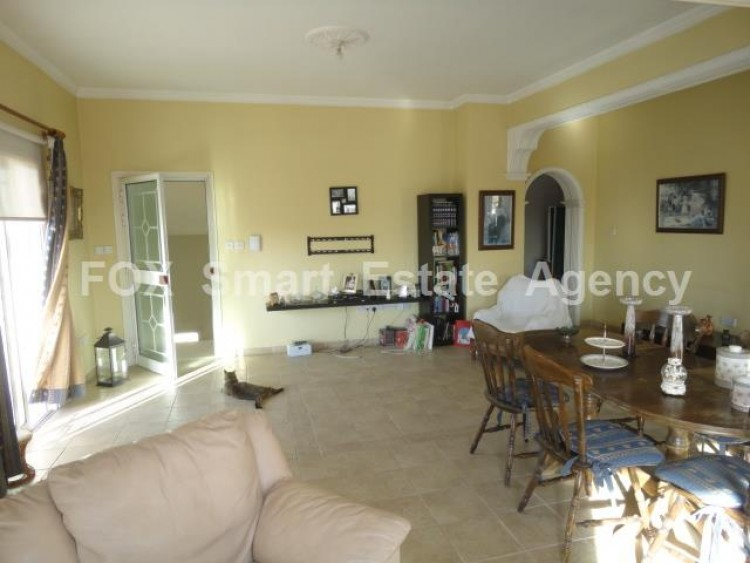 For Sale 3 Bedroom Upper floor (2-floor building) House in Kamares, Larnaca 2