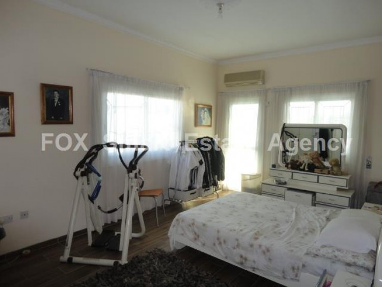 For Sale 3 Bedroom Upper floor (2-floor building) House in Kamares, Larnaca 4