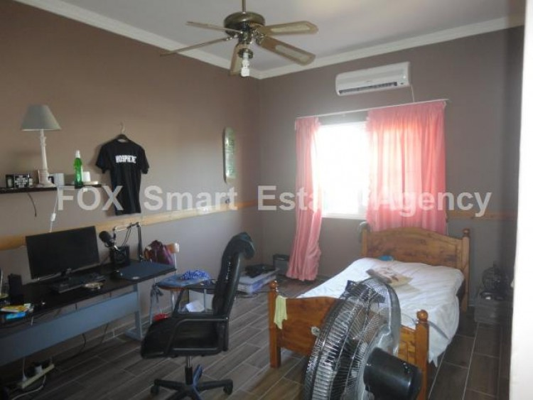 For Sale 3 Bedroom Upper floor (2-floor building) House in Kamares, Larnaca 6