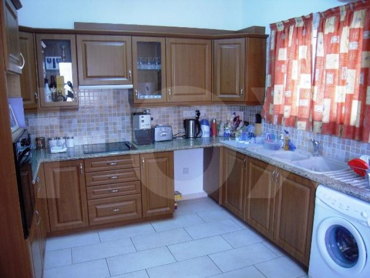 For Sale 2 Bedroom Semi-detached House in Germasogeia, Limassol 4