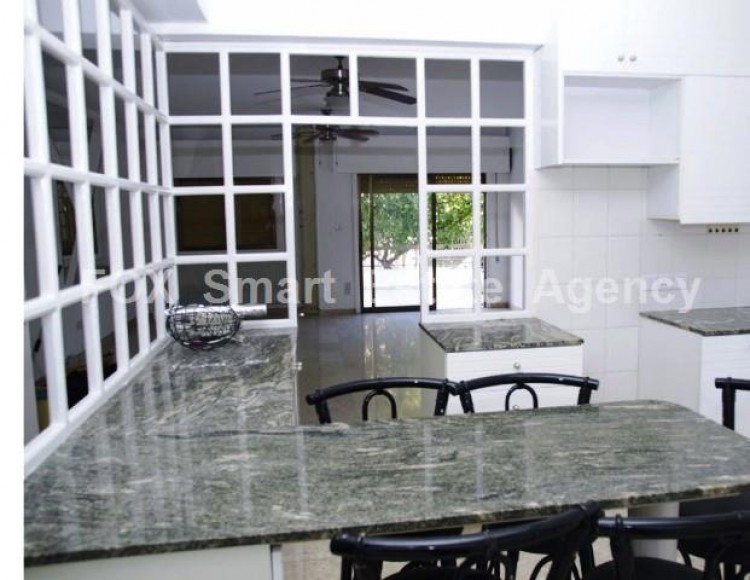 For Sale 3 Bedroom Ground floor Apartment in Akropolis, Nicosia