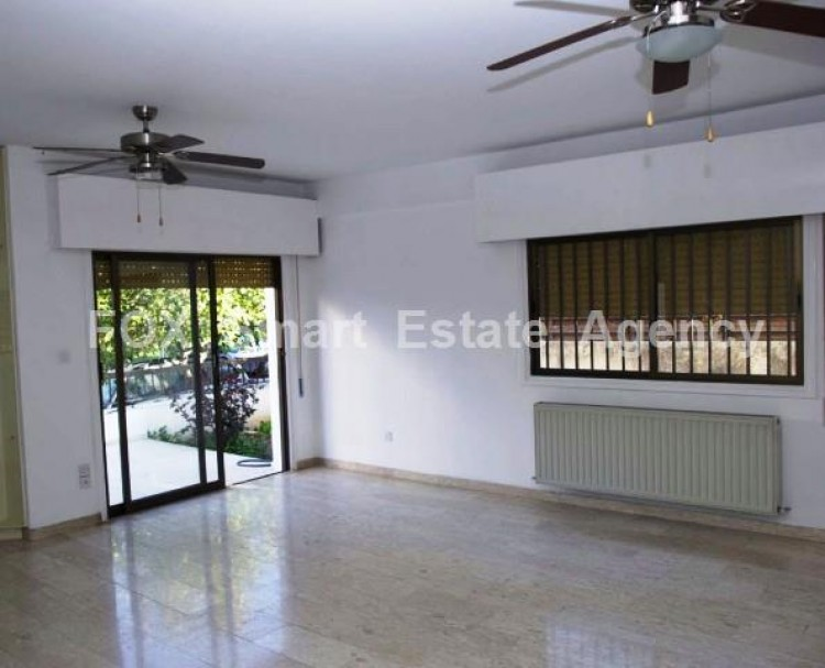 For Sale 3 Bedroom Ground floor Apartment in Akropolis, Nicosia 2