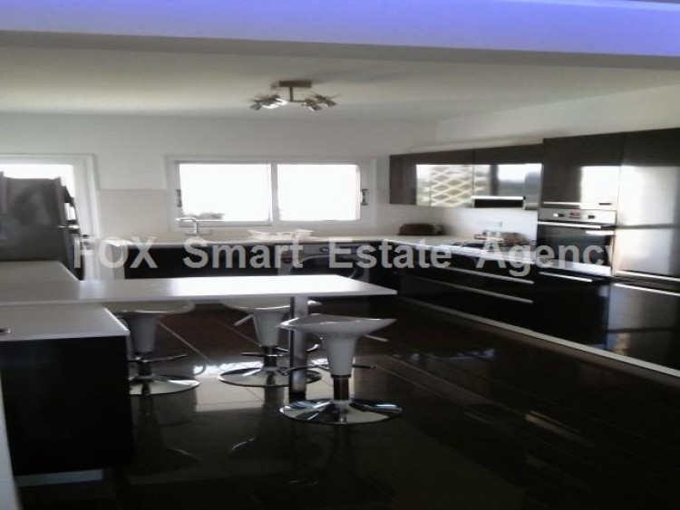 For Sale 3 Bedroom Top floor Apartment in Sotiros, Larnaca, Larnaca 10