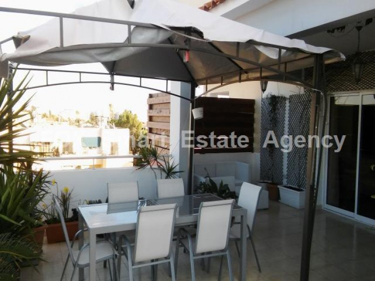 For Sale 3 Bedroom Top floor Apartment in Sotiros, Larnaca, Larnaca 2