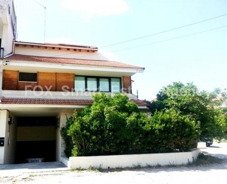 For Sale 4 Bedroom Semi-detached House in Pallouriotissa, Nicosia