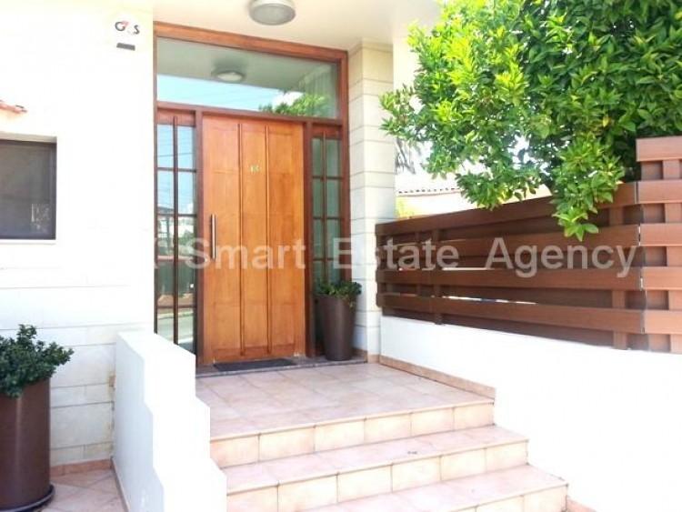 For Sale 4 Bedroom Semi-detached House in Pallouriotissa, Nicosia 3