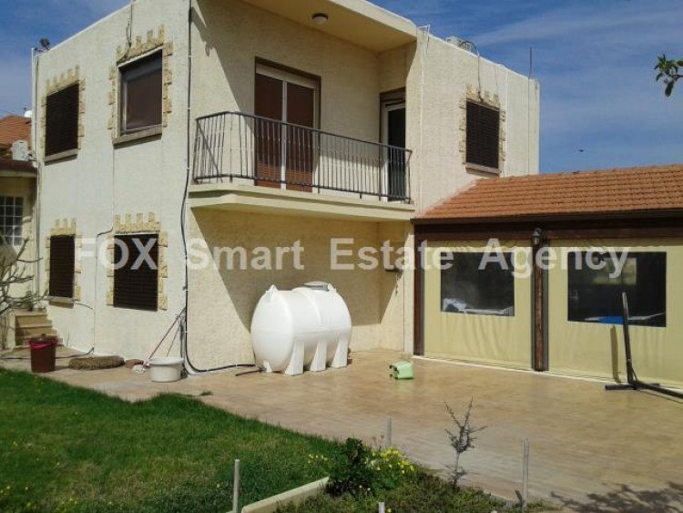 For Sale 5 Bedroom Detached House in Dromolaxia, Larnaca 11