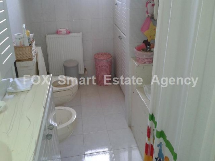 For Sale 5 Bedroom Detached House in Dromolaxia, Larnaca 23