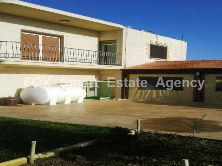 For Sale 5 Bedroom Detached House in Dromolaxia, Larnaca 3