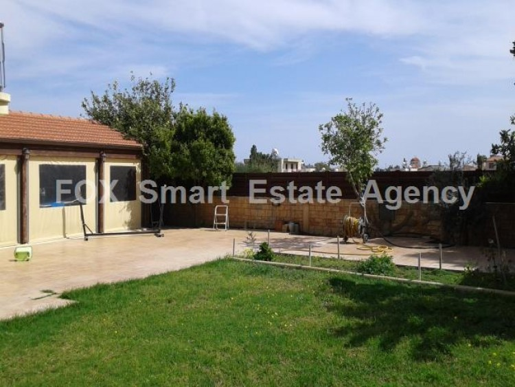 For Sale 5 Bedroom Detached House in Dromolaxia, Larnaca 8