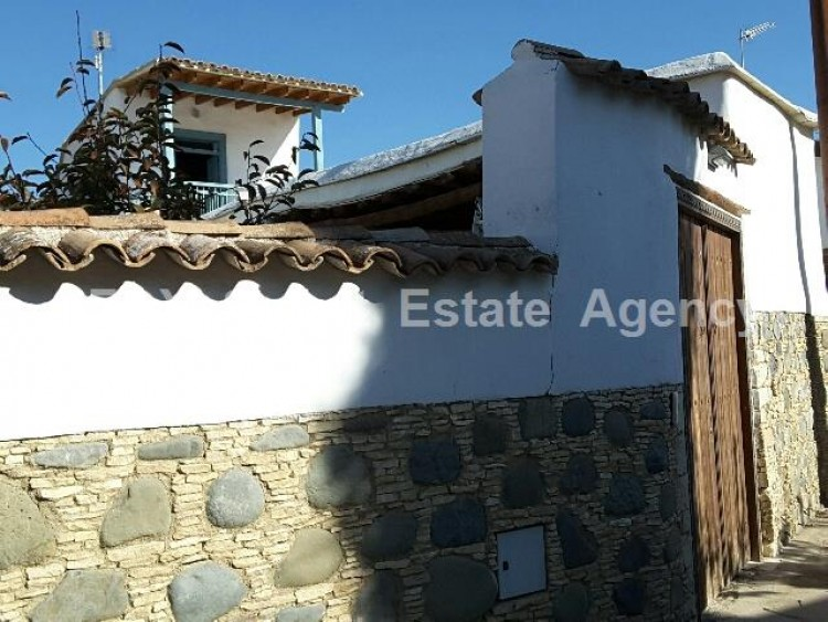 For Sale 4 Bedroom Detached House in Pera orinis, Pera, Nicosia 2