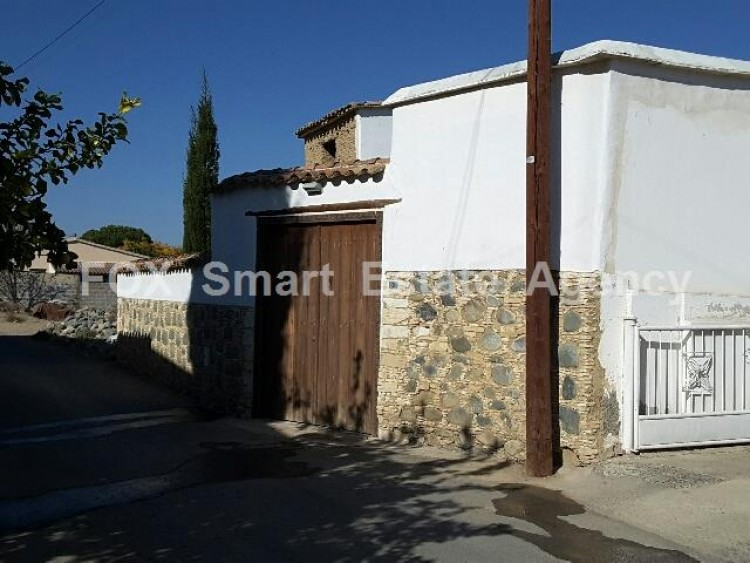For Sale 4 Bedroom Detached House in Pera orinis, Pera, Nicosia 3