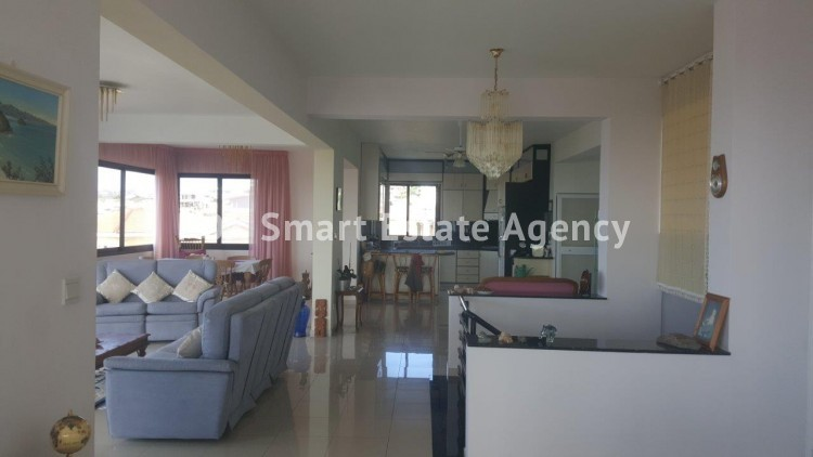 For Sale 6 Bedroom  House in Agia filaxi, Agia Fylaxis, Limassol 5
