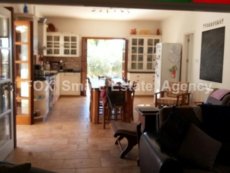 For Sale 4 Bedroom Detached House in Anogyra, Limassol 11