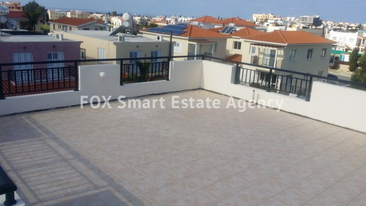 For Sale 2 Bedroom Top floor Apartment in Pafos, Paphos 10