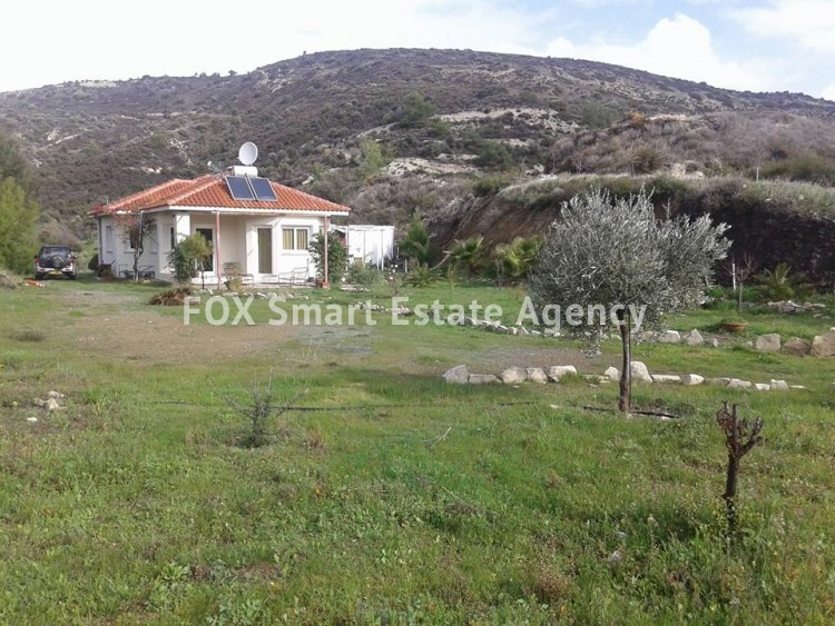 For Sale 3 Bedroom Bungalow (Single Level) House in Asgata, Limassol 2