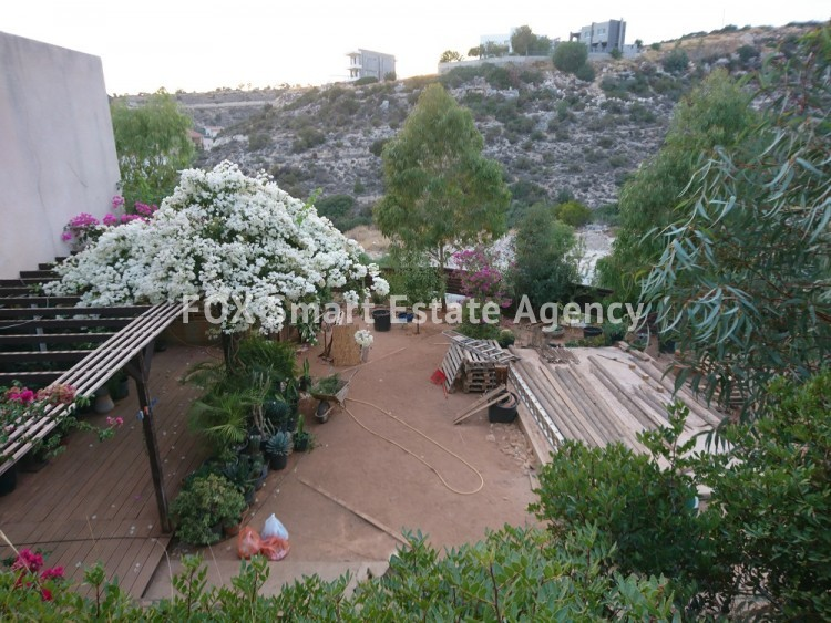For Sale 4 Bedroom Detached House in Laiki leykothea, Agia Fylaxis, Limassol 2