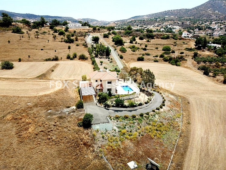 For Sale 4 Bedroom Detached House in Finikaria, Foinikaria, Limassol 2