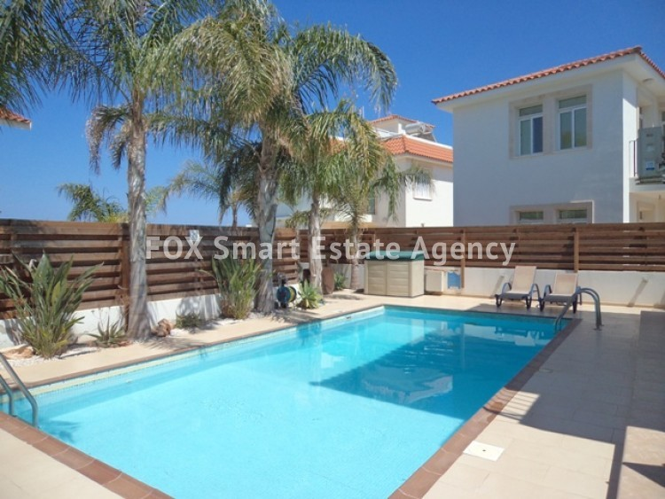 Holiday Let 3 Bedroom Detached house with Private Pool in Cape Greco 3