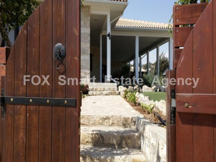 For Sale 5 Bedroom Detached House in Maroni, Larnaca
