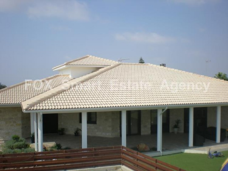For Sale 5 Bedroom Detached House in Maroni, Larnaca 11