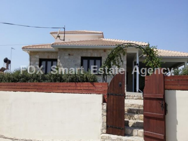 For Sale 5 Bedroom Detached House in Maroni, Larnaca 2