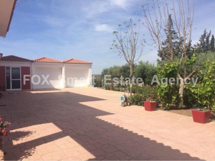 For Sale 5 Bedroom Detached House in Kiti, Larnaca 2