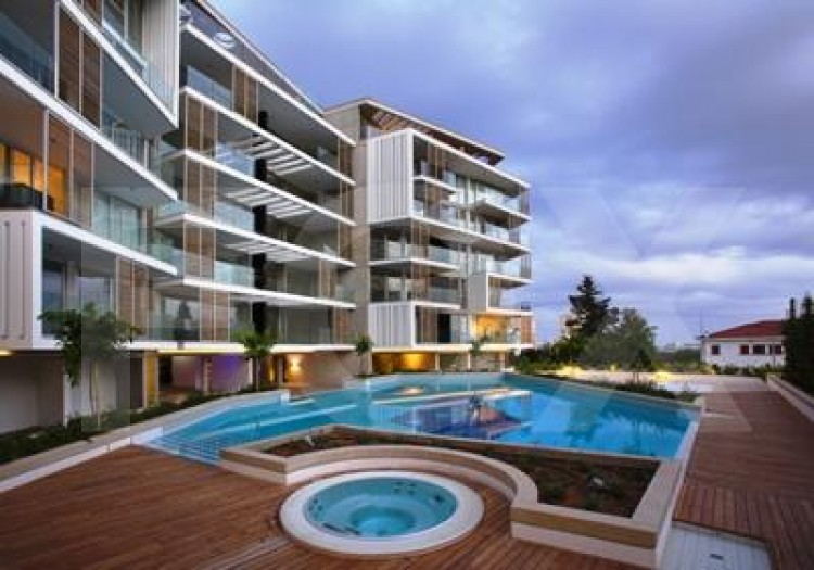 For Sale 3 Bedroom Apartment in Neapoli, Limassol 9