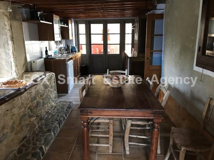 For Sale 5 Bedroom Detached House in Pera orinis, Pera, Nicosia 6