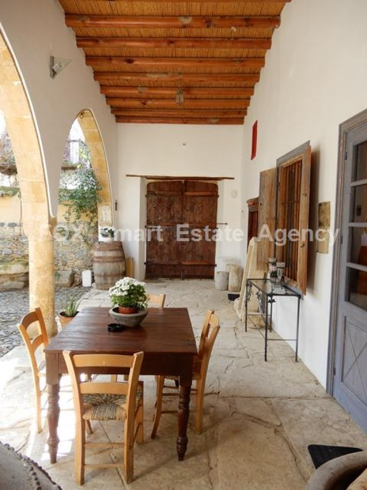 For Sale 5 Bedroom Detached House in Pera orinis, Pera, Nicosia 9