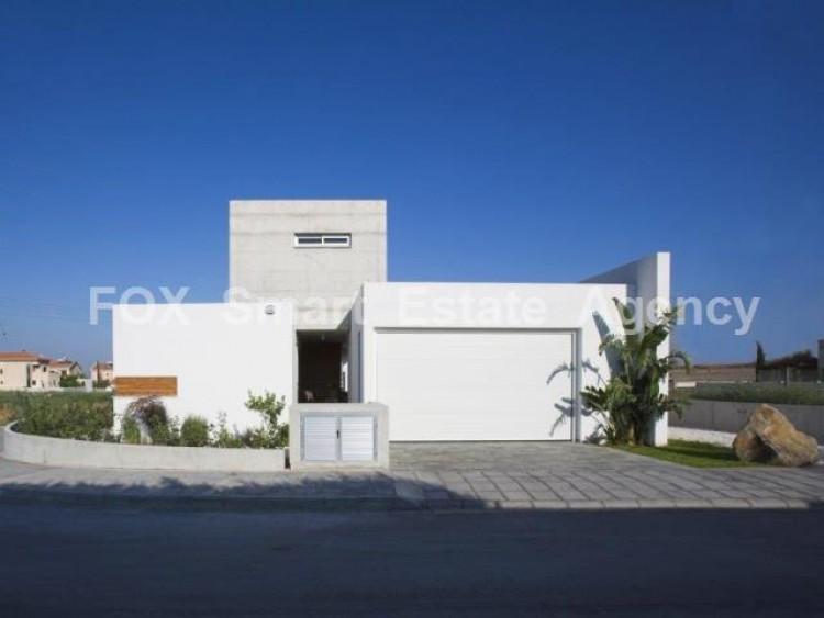 For Sale 3 Bedroom Detached House in Agios fanourios, Aradippou, Larnaca 11