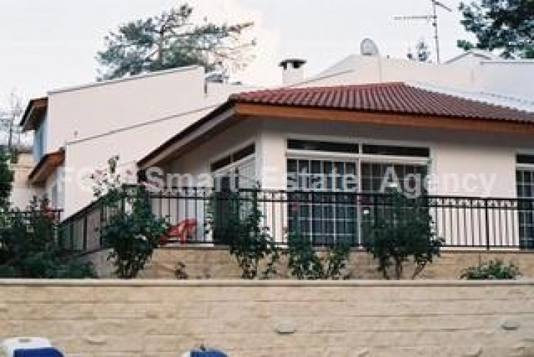 For Sale 3 Bedroom Detached House in Kapedes, Nicosia 2