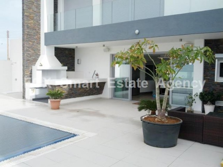 For Sale 4 Bedroom Detached House in Livadia larnakas, Larnaca 4