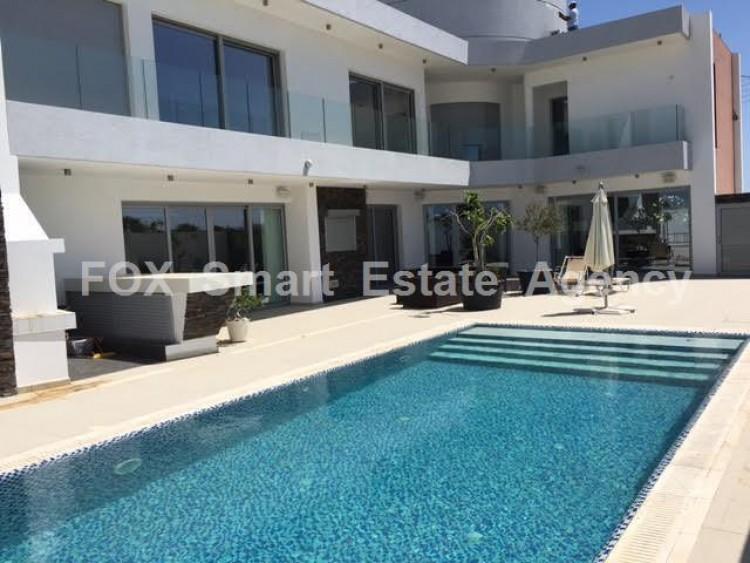 For Sale 5 Bedroom Detached House in Livadia larnakas, Larnaca