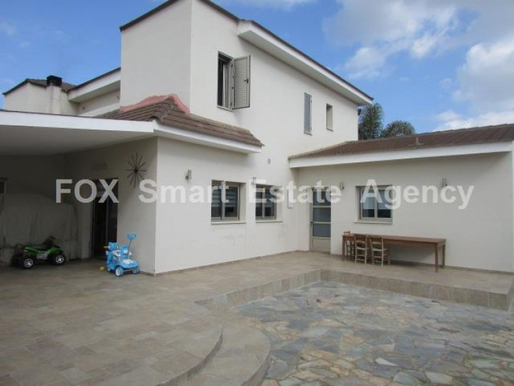 For Sale 4 Bedroom Detached House in Palaiometocho, Nicosia 12