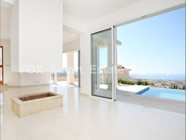 For Sale 4 Bedroom Detached House in Peyia, Pegeia, Paphos 4