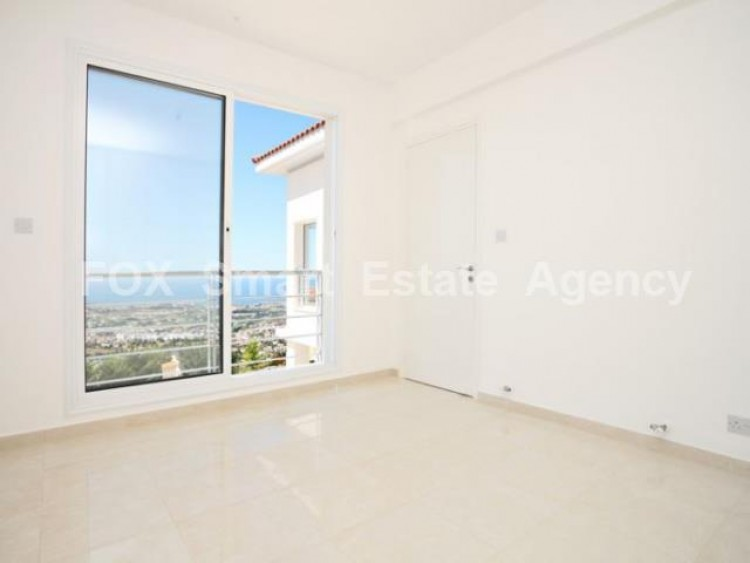 For Sale 4 Bedroom Detached House in Peyia, Pegeia, Paphos 7
