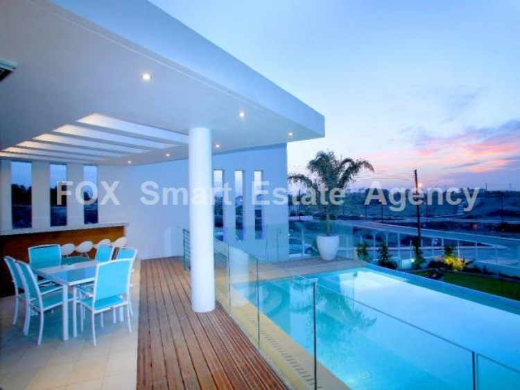 For Sale 5 Bedroom Detached House in Lakatameia, Nicosia
