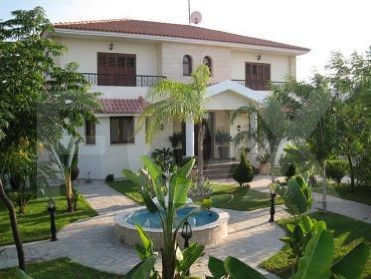 For Sale 4 Bedroom Detached House in Politiko, Nicosia 2