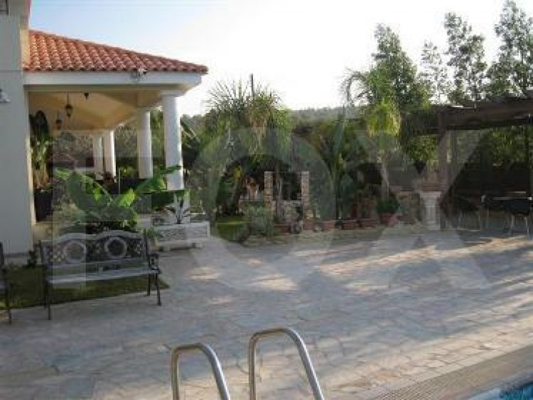 For Sale 4 Bedroom Detached House in Politiko, Nicosia 5